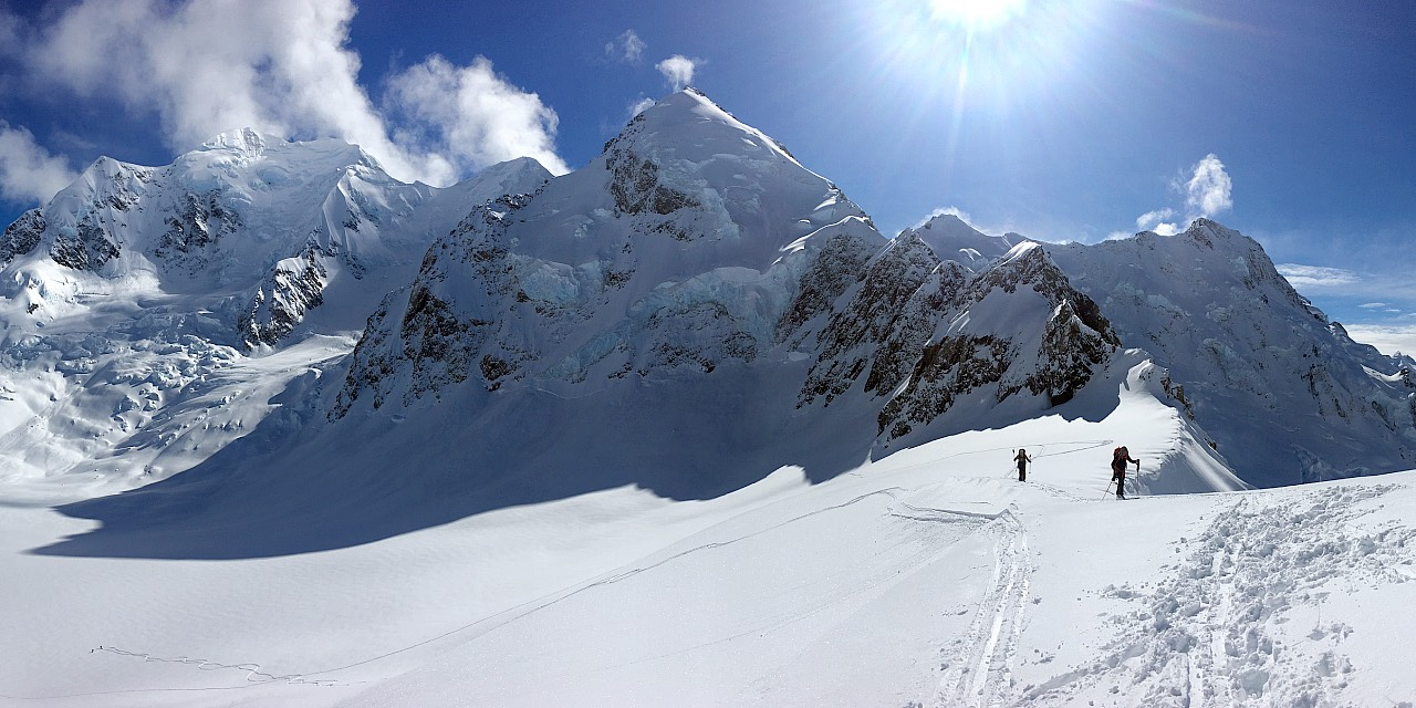 Ski touring on the Grand Plateau
